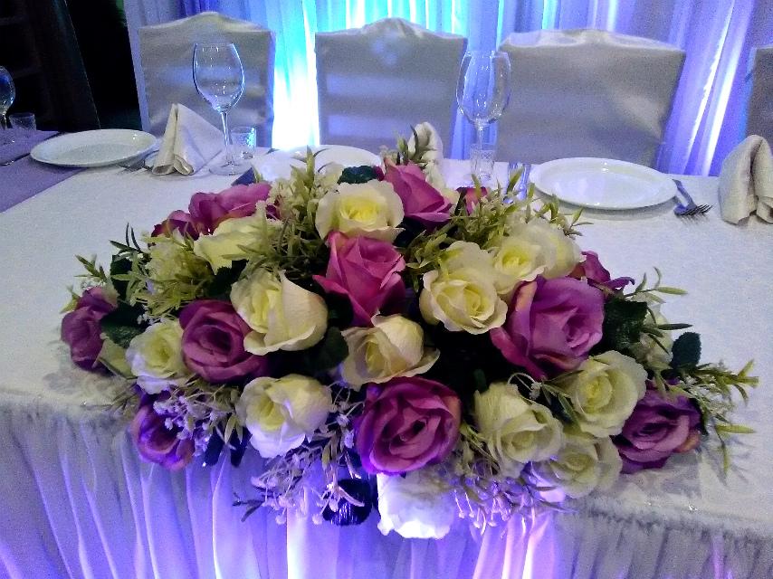 Композиция из цветов на стол молодоженов как сделать 348